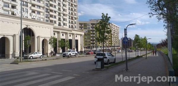Me Qera per Studente Mbrapa Royall Mallit Maxi 24H Prishtine