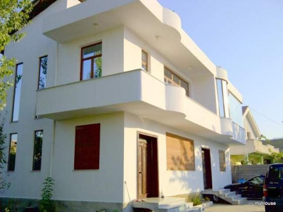 Shitet ose nderrohet me apartament shtepa  2 kateshe ne Paskuqan, Tirane.  (rast i volitshmem!)